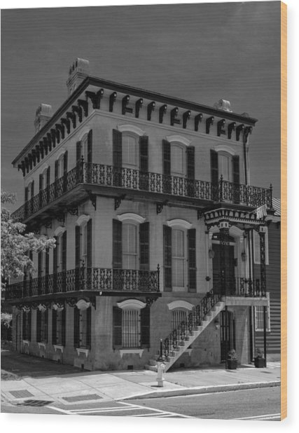 Savannah's Broughton And Houston Streets In Black And White Wood Print