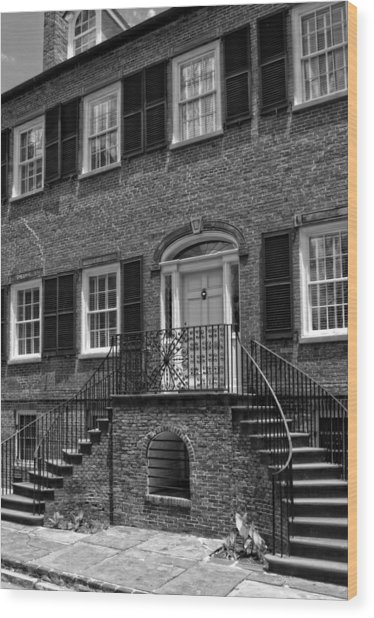 Savannah's Davenport House In Black And White Wood Print