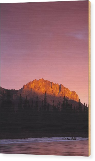 Scarlet Yamnuska And Bow River Wood Print by Richard Berry