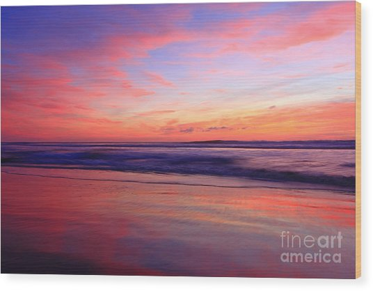 Serene Oceanside Glow Wood Print