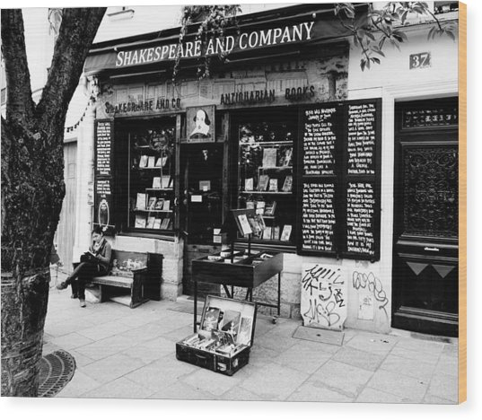 Shakespeare And Company Boookstore In Paris France Wood Print