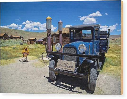 Shell Station In Bodie Wood Print