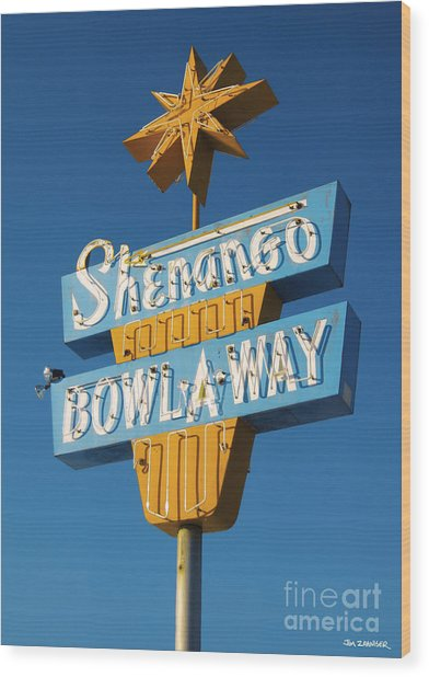Shenango Bowl-a-way Wood Print