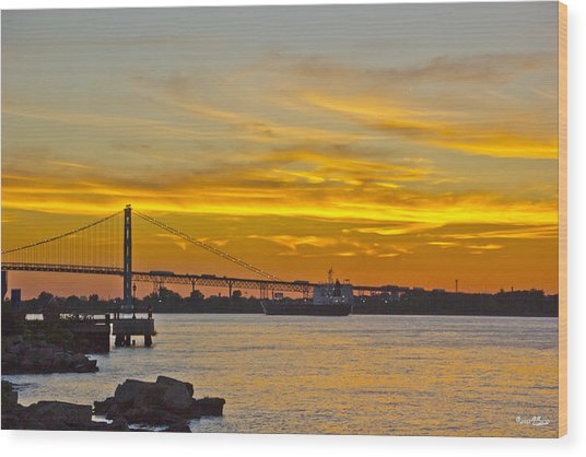Ship Approaches Ambassador Bridge At Sunset Wood Print