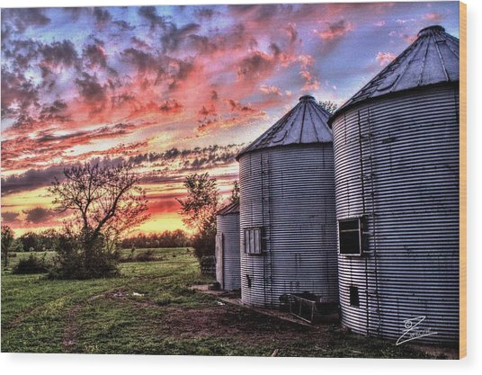 Silo Sunset Wood Print