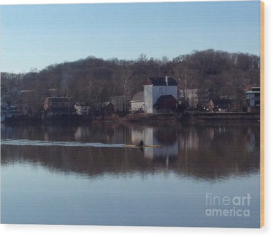 Single Scull On The Delaware Wood Print