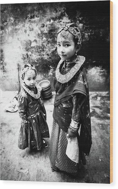 Sisters In Nepal Wood Print by Toru Matsunaga