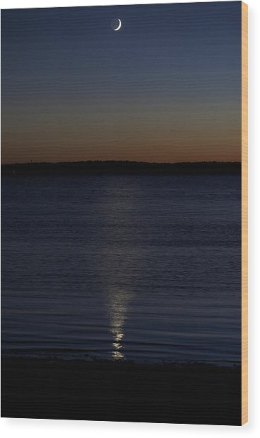 Sliver - A Crescent Moon On The Lake Wood Print