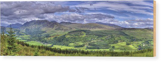 Smile Upon The Highlands Wood Print