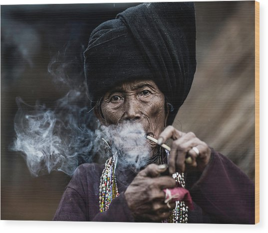 Smoking 2 Wood Print