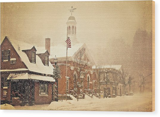 Snow On Main Street Chagrin Falls Oh Wood Print by Dorothy Walker
