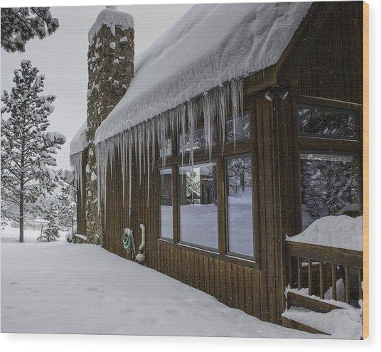 Snowy House Wood Print by Tom Wilbert