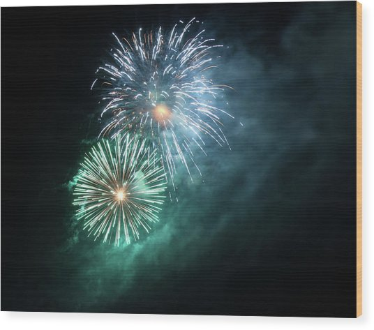 Spectacular Fireworks Wood Print by Zeiss4me