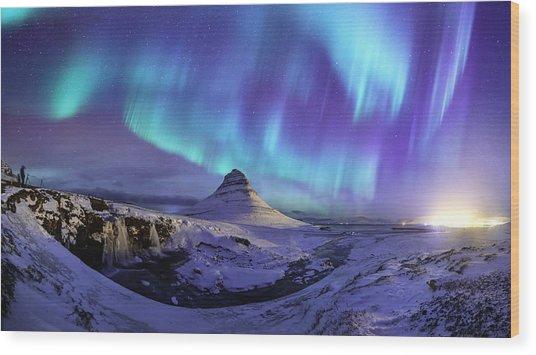 Spectacular Northern Lights Appear Over Mount Kirk Wood Print by Ratnakorn Piyasirisorost