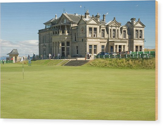 St Andrews Final Green And Clubhouse  Wood Print
