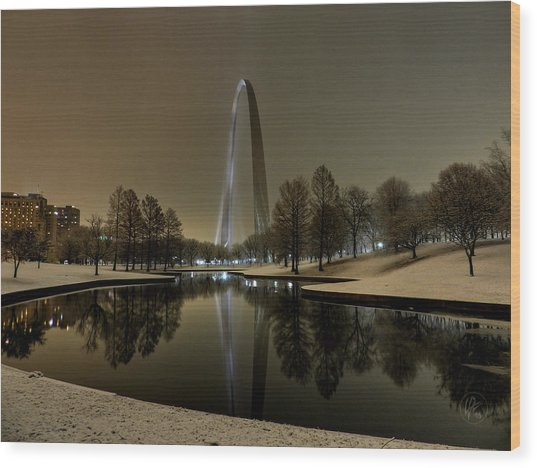 Wood Print featuring the photograph St. Louis - Winter At The Arch 004 by Lance Vaughn