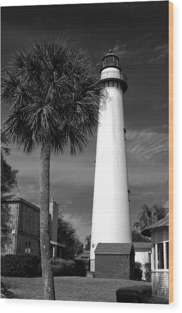 St. Simons Island Georgia Lighthouse In Black And White Wood Print