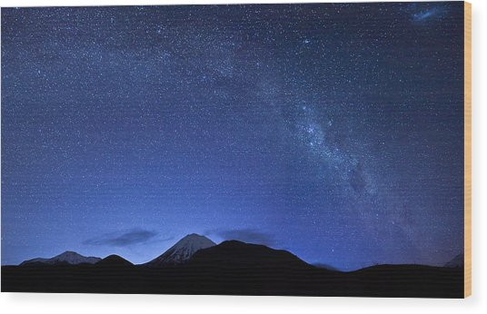 Starry Night Over Mount Ngauruhoe Wood Print