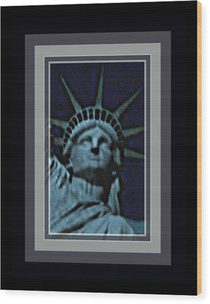 Statue Of Liberty 1 Wood Print by Tracie Howard