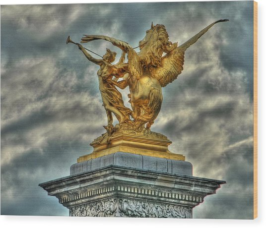 Statue On Pont Alexandre IIi Wood Print