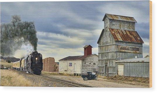Steam In Castle Rock Wood Print