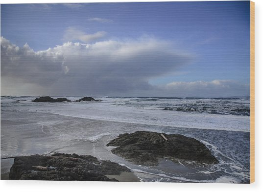 Storm Rolling In Wickaninnish Beach Wood Print