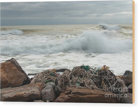 Storm Surf At Rye Beach Wood Print