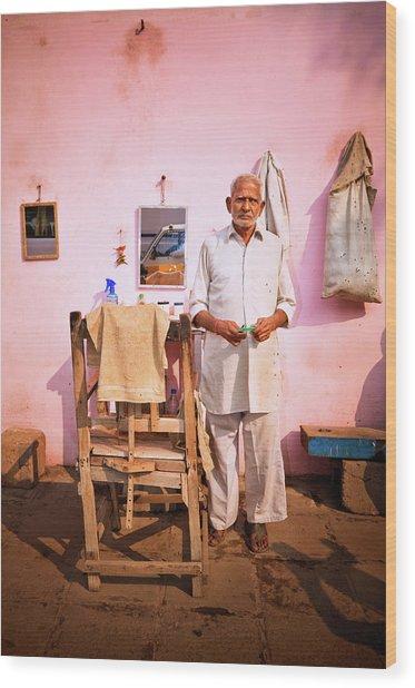 Street Barber In India Wood Print