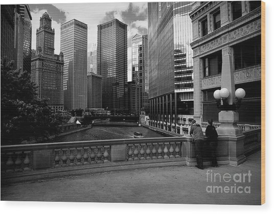 Summer On The Chicago River - Black And White Wood Print