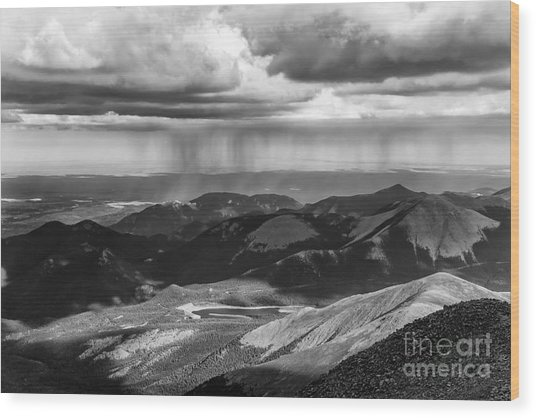 Sun And Rain On Pikes Peak Wood Print