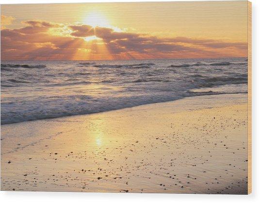 Sunbeams On The Beach Wood Print