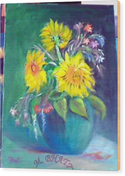 Sunflower Vase Wood Print by M Bhatt