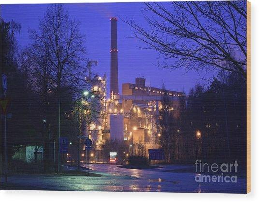 Sunila Pulp Mill By Rainy Night Wood Print