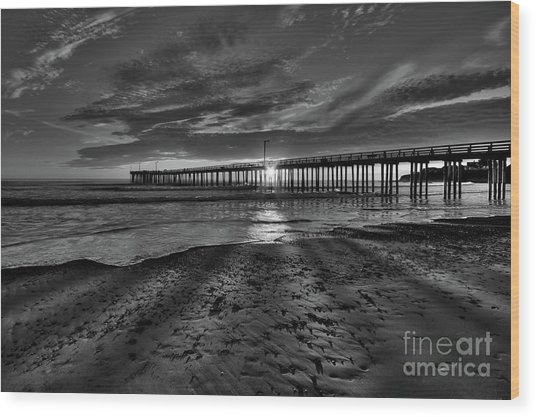 Sunrays Through The Pier In Black And White Wood Print