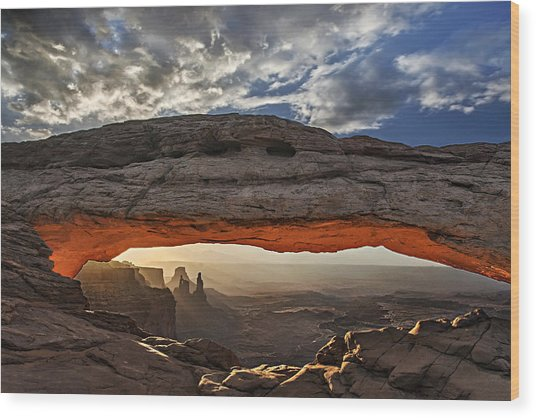 Sunrise At Mesa Arch Wood Print