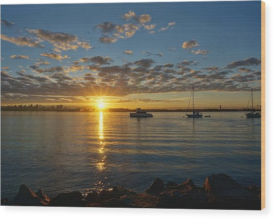 Sunrise At Shelter Island Wood Print