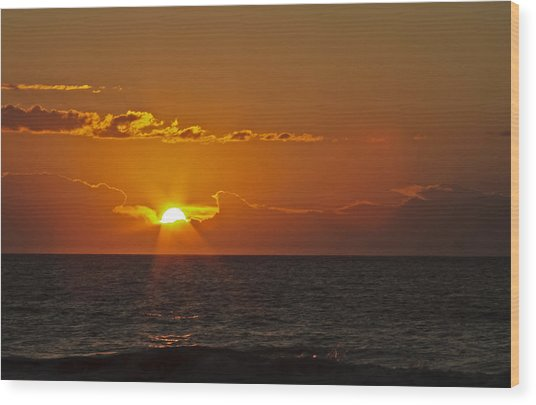 Sunrise At The Beach Wood Print