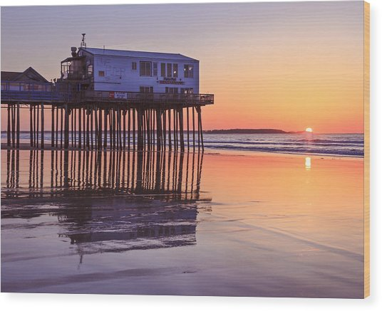 Sunrise At The Pier On Oob Wood Print by Shane Borelli
