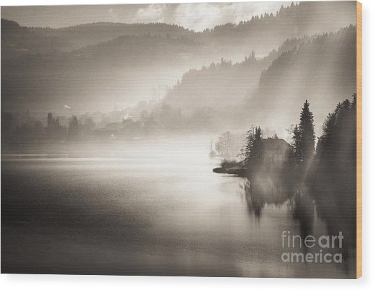 Sunrise By The Lake Wood Print