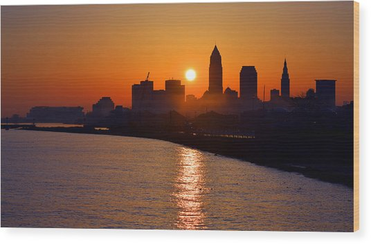 Sunrise In Cleveland Wood Print