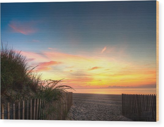 Sunrise In Ocean City Md On The Beach Wood Print