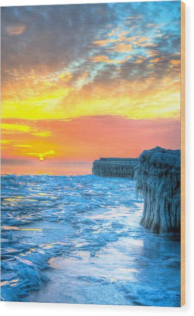 Sunrise North Of Chicago Lake Michigan 1-9-14 001  Wood Print by Michael  Bennett