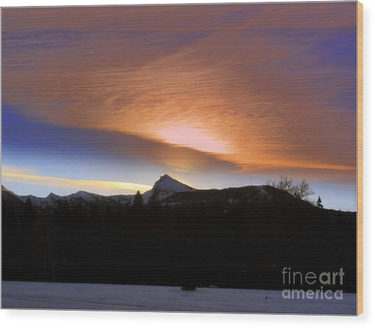 Sunrise Over Brokeoff  Mountain Wood Print by Irina Hays