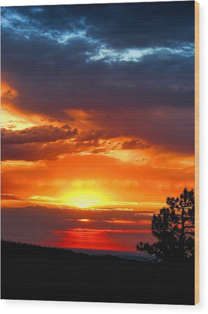 Sunrise Over Keystone Wood Print