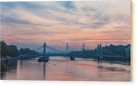 Sunrise Over London Wood Print