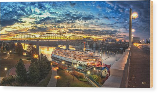 Sunrise Over The Delta Queen Wood Print
