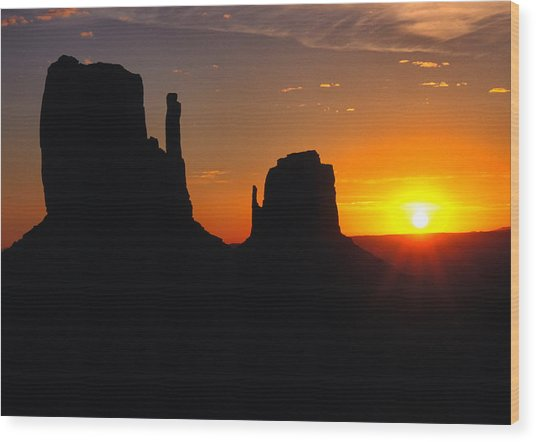 Sunrise Over The Mittens In Monument Valley Wood Print