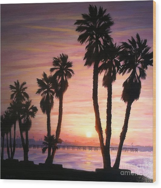 Sunrise Over The Ventura Pier Wood Print by Tina Obrien