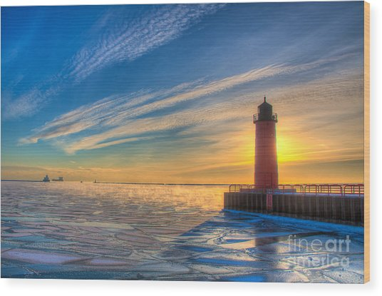 Sunrise Pierhead Wood Print