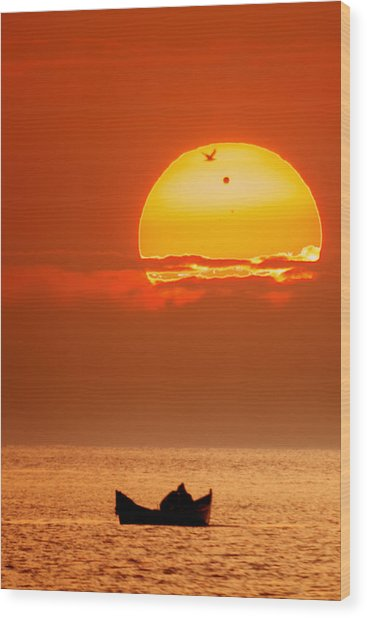 Sunrise With Venus On It Wood Print